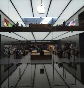 トルコ初のApple Storeの店内