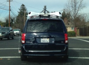 Apple名義の、謎の車