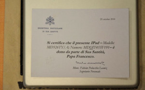 ローマ教皇のiPadである証明書