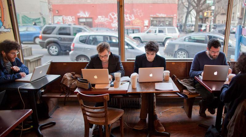 「macbook cafe」の画像検索結果